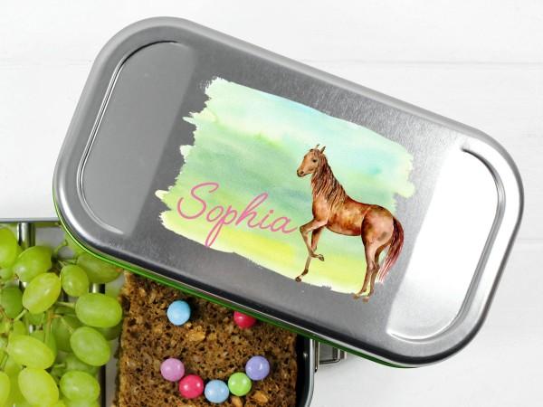 Brotdose Lunchbox mit Name und Pferd auf Wiese