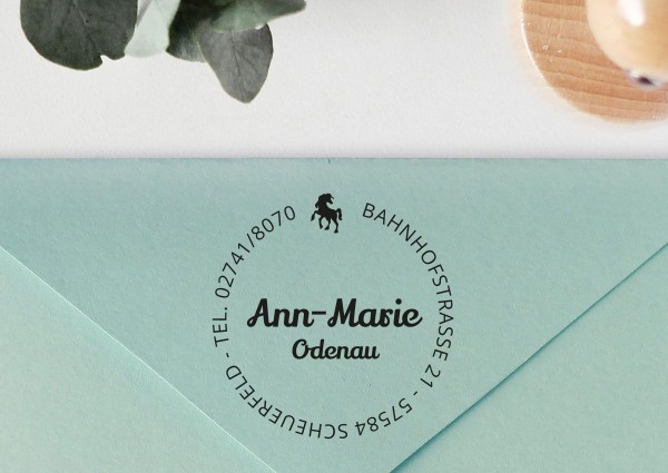 Kinderstempel mit Adresse und Pferd personalisiert
