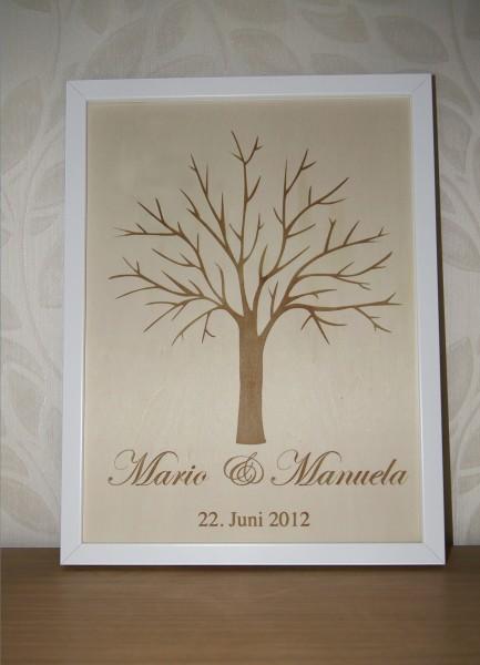 Weddingtree mit Namen und Hochzeitsdatum