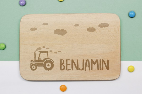Frühstücksbrettchen Traktor mit Namen graviert