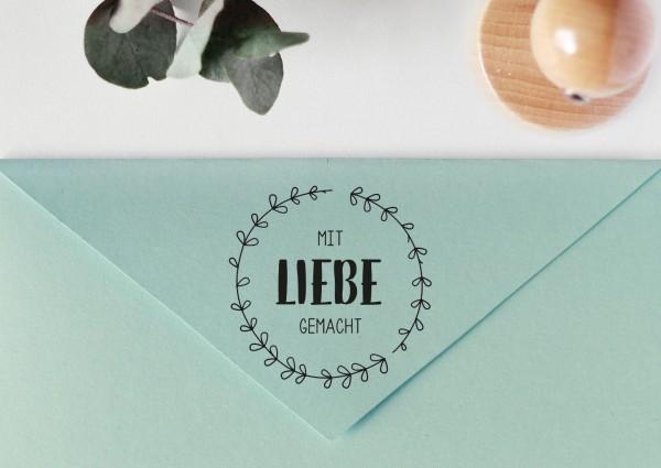 """Stempel mit Spruch """"Mit Liebe gemacht"""", mit Blätterkranz"""