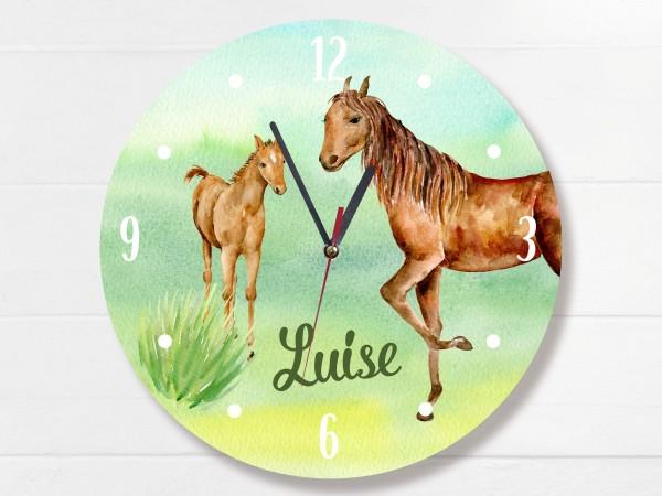 Wanduhr mit Pferd mit Fohlen und Namen personalisiert für Mädchen Kinderzimmer