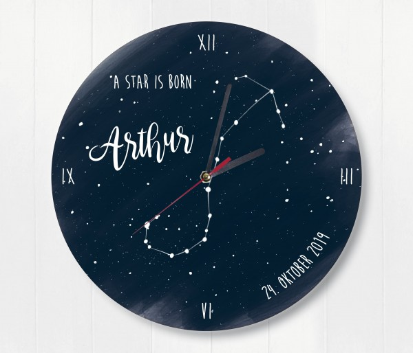 Sternzeichen Sternenhimmel Uhr mit Name und Datum Skorpion