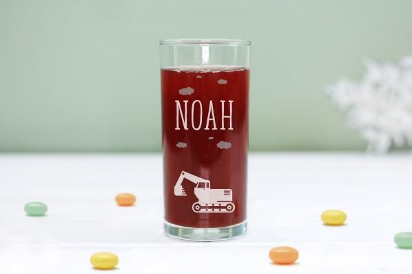 Trinkglas Kinderglas mit Bagger und Namen, personalisiert
